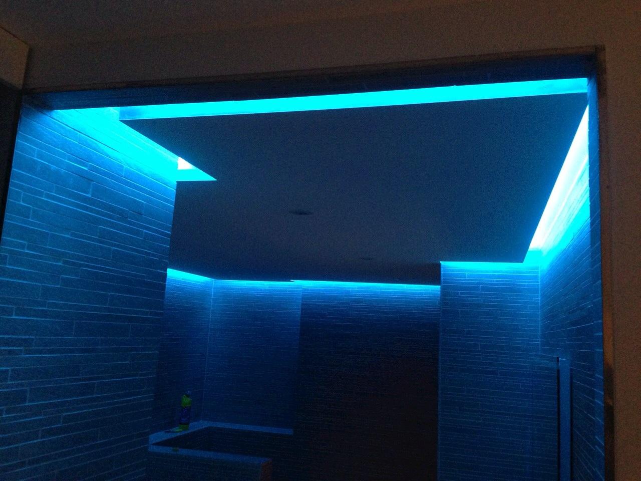 Badkamer Led : Badkamer met LED sfeerverlichting